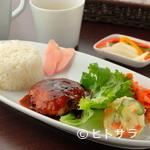 ヒビキ カフェ - さっぱりいただける豚肉の『ハンバーグプレート』