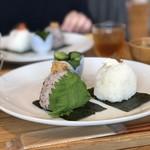 Onigirikafe - 大葉味噌とおかかチーズ