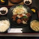 83511769 - 鶏肉の黒酢あん定食750円