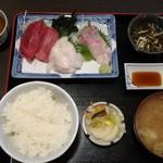 揚葉 - 刺身定食(1100円)