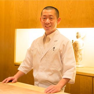 小泉瑚佑慈氏(コイズミコウジ)―料理界に新風を吹き込む先駆者