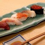 炭焼処きたぐに - 握り寿司5貫盛り