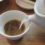 Soba Ristorante na-ru - 蕎麦湯を注ぐ