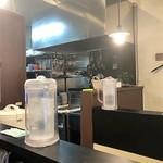 カラ助 - 店内イメージ