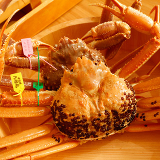 茹で、焼き、刺しなど、多様な調理法で一杯の蟹を味わい尽くす