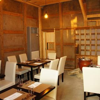 歴史感じる蔵作りのオシャレ空間◆テーブル席・カウンター席◆