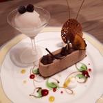 イタリア厨房 ベルパエーゼ - 料理写真:とても可愛いデザート盛り合わせ。でも、このデザインてさ昆虫を彷彿とさせるのよね。何故だろう?