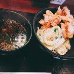 83529864 - かき揚げ天ぷらうどん ひやひや&蒸し鶏が入ったつけ汁^^
