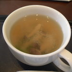 山越カフェ - しめじ味噌汁。もう少しお出汁が強めであったらな~