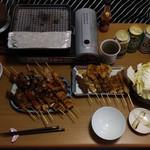 83539180 - この日の夕餉、キャベツ(辛味噌付き)・釜飯・デスソースも用意しました