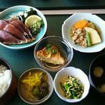 足摺黒潮市場 - 料理写真:かつおのたたき定食1650円(税別)