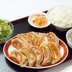 餃子の福来 - 料理写真:餃子定食 780円 ※17時までのメニューです