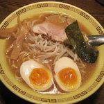 江川亭 - 江川亭 新座店:味付け玉子麺