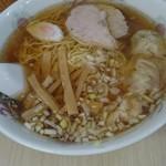 83541313 - 王道のワンタン麺。