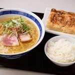 ラーメン餃子定食