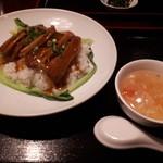 味蔵 - 豚角煮丼(680円)