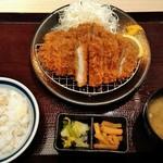 かつ久 - W熟成ロースカツ定食¥1090(税抜) Wでお得よ(^^)/