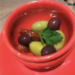 アズーロ ヴェルドゥーラ - イタリア産オリーブとドライトマト