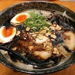 久味 - 【黒マー油らーめん + 煮玉子】¥850 + ¥100