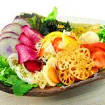 organic super vegan 割主烹従 飛竜 - ドレッシングを使わずに野菜の味を楽しむサラダ