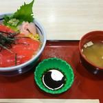 中華万里 - マグロ漬け丼(1150円)