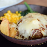PIZZERIA&BAR CERTO! - とろ〜ろチーズのハンバーグ@税込1,080円