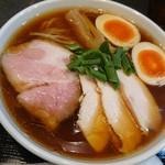 83550295 - 醤油ラーメン(鶏チャーシュー+玉子tp)