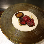 鉄板ダイニング皇 - 伊賀牛のステーキと椎茸のバター焼き