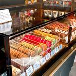 リンツ ショコラ カフェ - マカロンやボンボンショコラのショーケース
