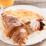 クロワッサンCafe クイニー - 食感が思わずクセになる『クロワッサンのフレンチトースト』