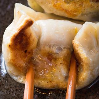 ≪元祖≫溢れる肉汁焼餃子