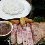レストラン サカミティー - 新料理長のこだわりの一品 !山形豚のトンテキ 1280円
