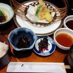 レストラン希星 - 写真には写ってませんが、主菜はトンカツ、副菜は天ぷら盛り合わせをチョイス