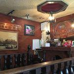 珈琲館 葡露灯 - ここは奥のスペース。落ち着いたゆったりの茶色空間