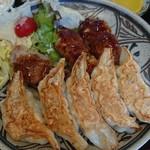 83583142 - 焼き餃子と肉巻き餃子