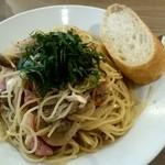 Brasserie MORI - ランチセットのパスタ!(大葉、ツナ、しめじ、ベーコンの和風パスタ)