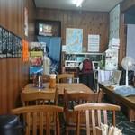 うどん深川 - 店内。
