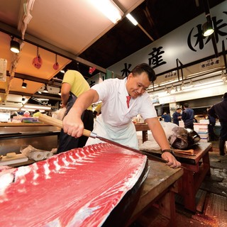 プロが厳選した食材の数々!旨い魚には秘訣あり!