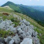 8359584 - 四国カルストの山並みにある『高原ふれあいの家 天狗荘』。