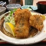 おつぼ - この日は鮭フライ
