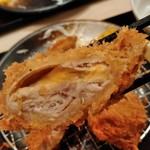 かつ久 - 巻きかつ(チーズ)