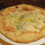 伴ノ字 - 明太バターピザ 2