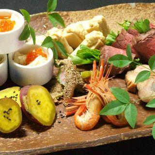 京都で長年の修業を積んだ料理人が心を込めて調理。
