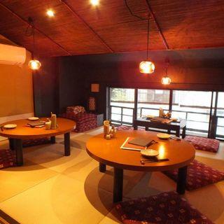 大小の個室など、シーンに合わせての席を選んで頂けます。