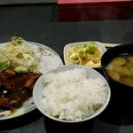 居酒屋 藤 - 料理写真:ハンバーグ。