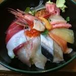 海鮮丼の駅前 - 海鮮丼