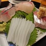 五島伊勢丸 - 刺身盛り合わせ(1700円)