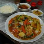 水新菜館 - うまに定食