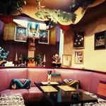 タイ料理レストラン Tha Chang - 店内♪