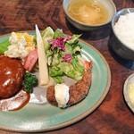 芭蕉 - 芭蕉ランチ 1000円   益子焼きのお皿も いいなあ